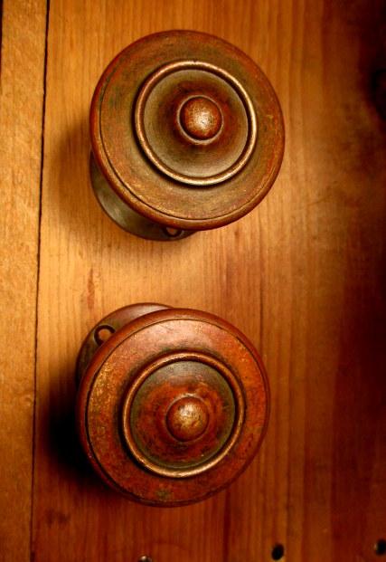 Bronze Deco Door Knob Set
