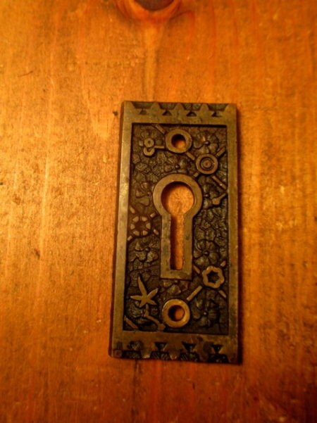 Bronze Key Hole Escutheon Hardware